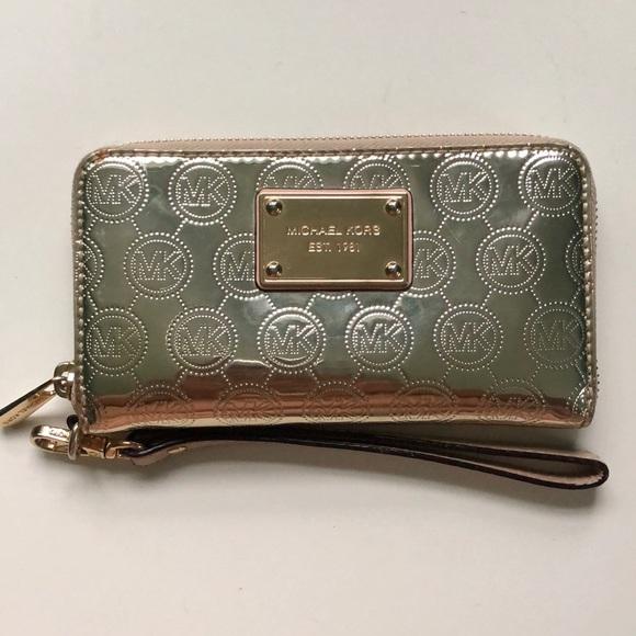 Michael Kors Handbags - Shiny Gold Michael Kors Wristlet